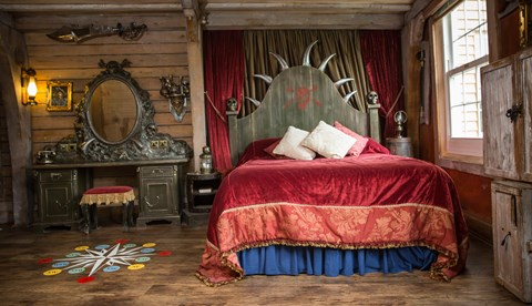 01 Pirateroom Bed