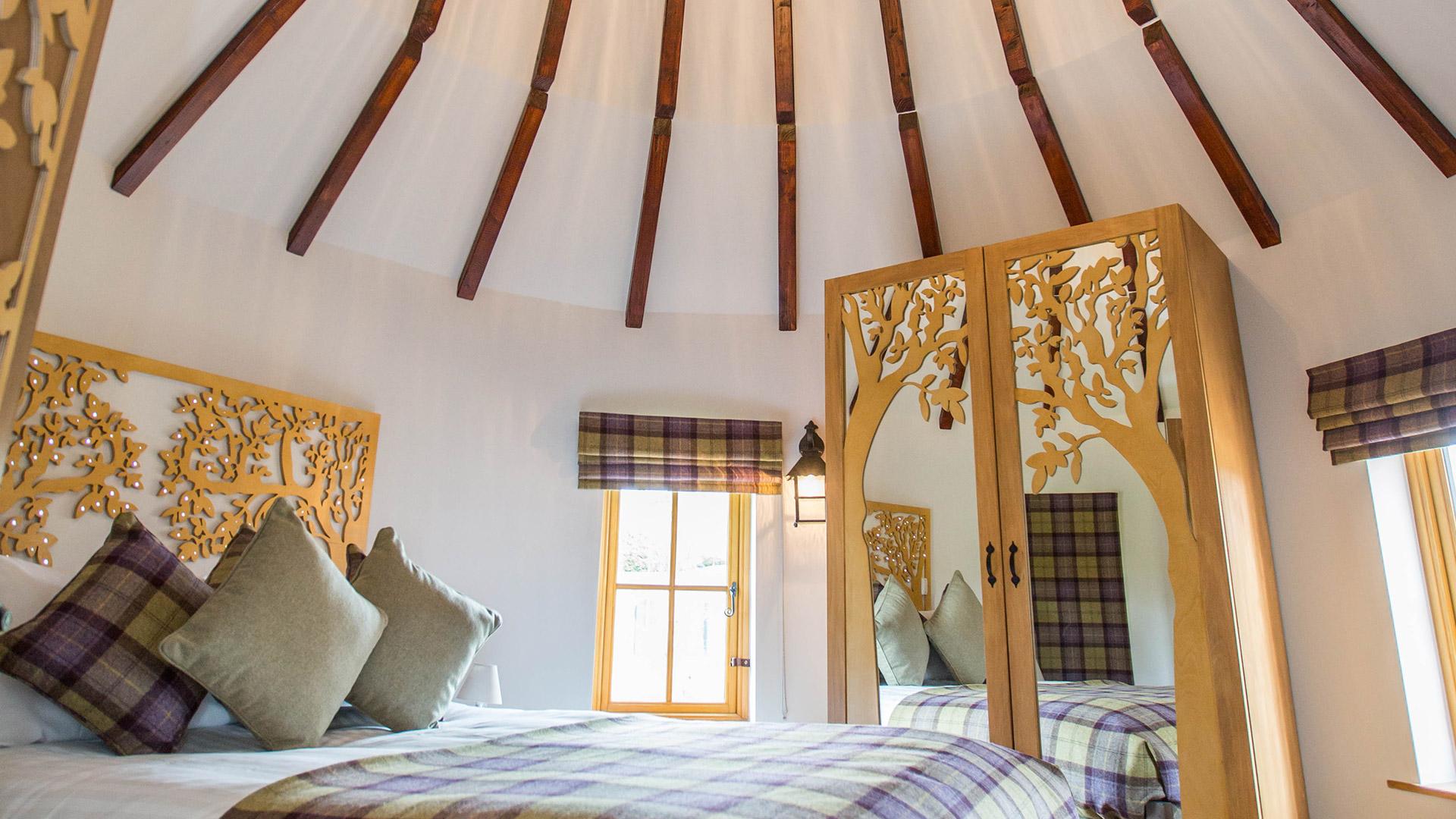 enchanted village treehouse holidays  alton towers resort