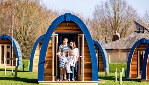 Stargazing Pods Family (1)